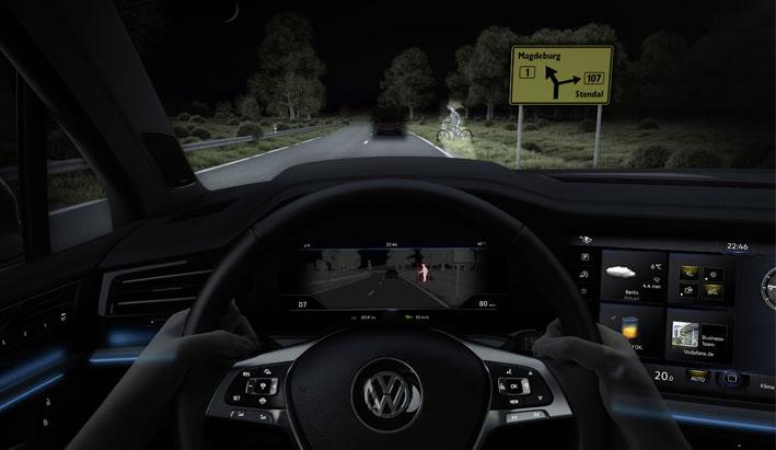 Nuevo Volkswagen Touareg: el sistema LED Matrix convierte la noche en día