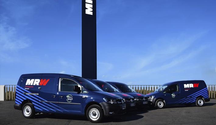 Volkswagen vehículos comerciales y MRW inician un proyecto de movilidad que incluye vehículos sostenibles.